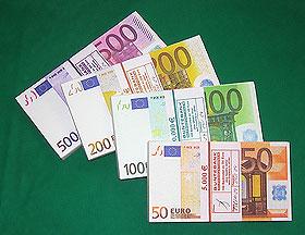 Geldstapeldummies Filmgeld Spielgeld Geldscheinbuendel Geldstapel